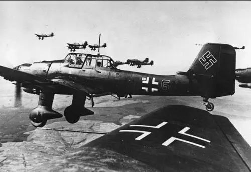 苏联上空的黑死神 伊尔2攻击机_WWW.XUNWANGBA.COM