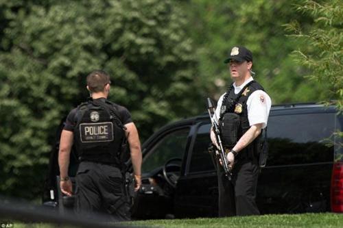美国白宫附近发生冲突2人被捕 美国大选结果 美国大选最新消息_WWW.XUNWANGBA.COM