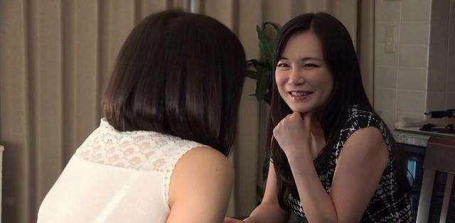 韩国电影(朋友的妈妈3)少年喜欢上一个老女人_WWW.XUNWANGBA.COM