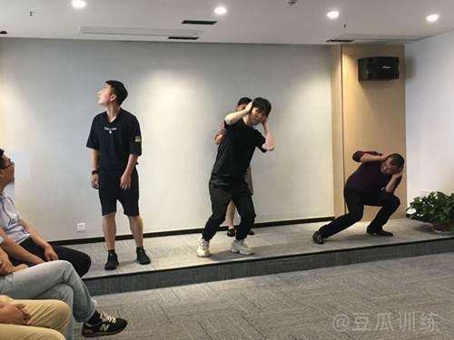 如何锻炼口才和现场应变能力_WWW.XUNWANGBA.COM