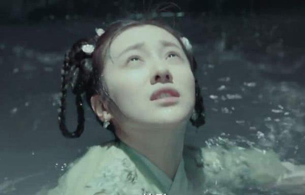 同时在(如懿传)(延禧攻略)出演的她,竟是矿泉水洗澡女主角_WWW.XUNWANGBA.COM