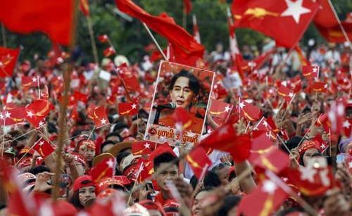 缅甸军方 最有实权三个人物,敏昂莱大将 妙吞乌上将和梭图中将_WWW.XUNWANGBA.COM