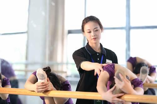 舞蹈艺考培训学校_WWW.XUNWANGBA.COM