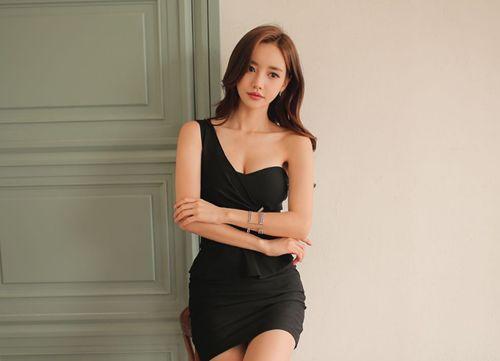 100句哄女孩子开心的话幽默,高情商逗乐女生的套路_WWW.XUNWANGBA.COM