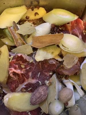 酱牛肉的做法,在家就能做的美味_WWW.XUNWANGBA.COM