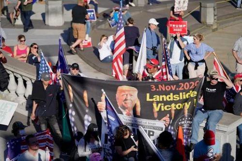"""特朗普宣称美国大选""""被操纵"""" 特朗普发推我们会赢_WWW.XUNWANGBA.COM"""