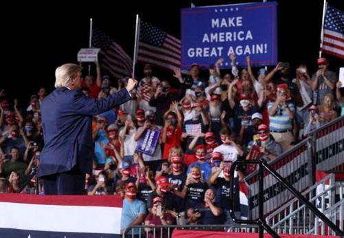 特朗普称要赢两个四年任期 特朗普称要连任三届总统_WWW.XUNWANGBA.COM