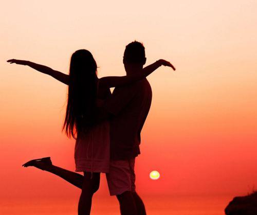 电子科大校长开学提脱单建议 大学谈恋爱的好处和坏处_WWW.XUNWANGBA.COM