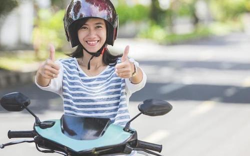 徐州共享电动车自带头盔 骑电动车要戴头盔吗_WWW.XUNWANGBA.COM
