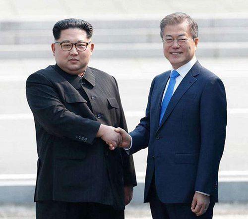 韩军在军事分界线抓获一朝鲜男子_WWW.XUNWANGBA.COM