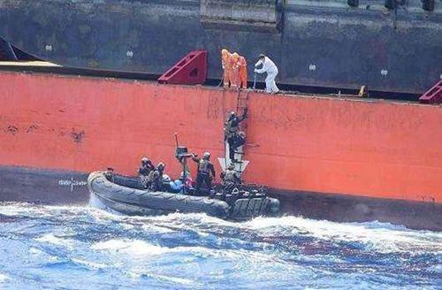 海盗袭击中国籍船员有人受伤 海盗袭击中国船事件_WWW.XUNWANGBA.COM