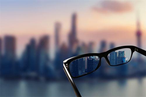 2岁男童近视两千多度 两千多度近视会失明吗_WWW.XUNWANGBA.COM