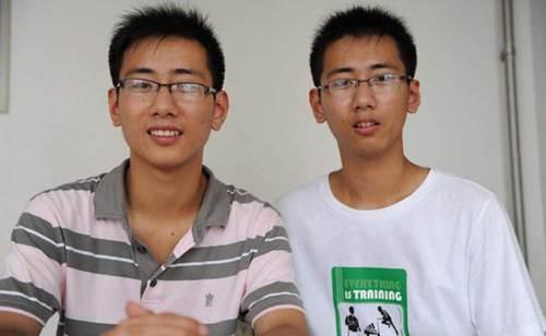双胞胎真的有心灵感应吗 近10年超10对双胞胎高考分数相同_WWW.XUNWANGBA.COM