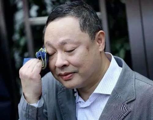 香港大学副教授戴耀廷被解雇 香港大学戴耀廷_WWW.XUNWANGBA.COM
