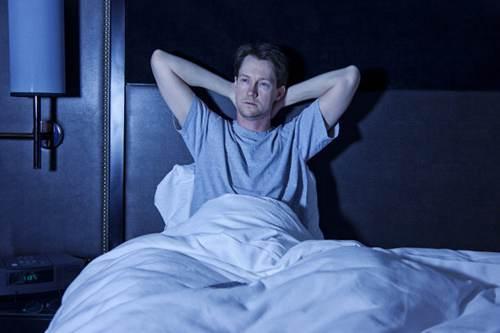 失眠是什么原因引起的 失眠的原因是什么_WWW.XUNWANGBA.COM