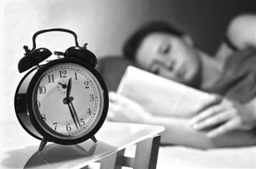 失眠最好的治疗方法 失眠了怎么办怎么尽快入睡_WWW.XUNWANGBA.COM