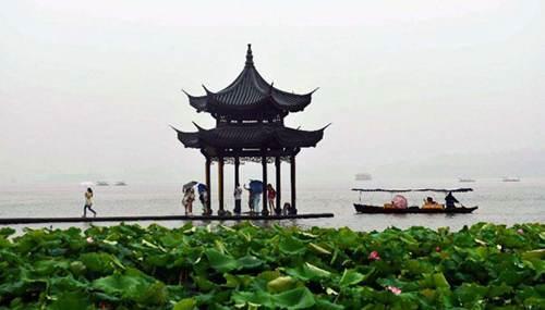 梅雨季节潮湿不舒服怎么办 梅雨季节潮湿闷热_WWW.XUNWANGBA.COM